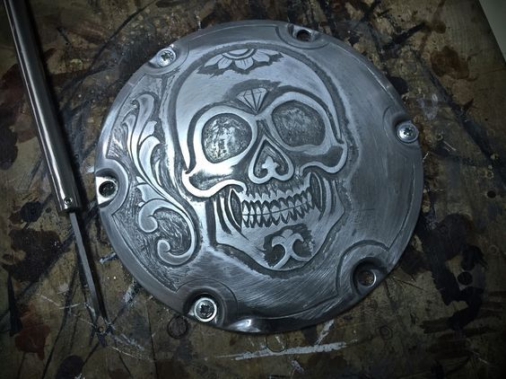 Motorcycle engraving, metal engraving, engraving, derby cover, Harley Davidson, chopper, bobber, hammer and chisel, hand engraving.: