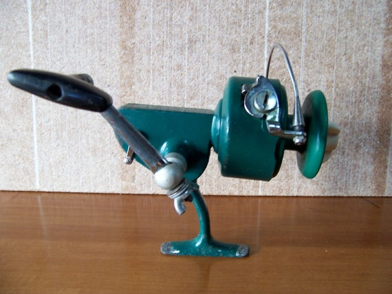 Vintage penn 710 big green spinfisher spinning reel by for Vintage fishing reels
