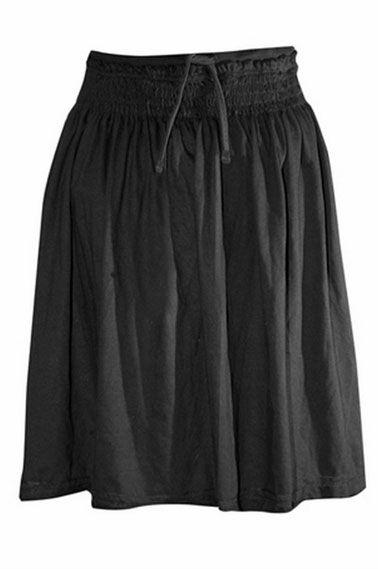 Jenis kain yang biasa digunakan untuk membuat rok diantaranya berupa kain linen, katun, denim, satin, velvet, corduroy,  chiffon, dan lace.
