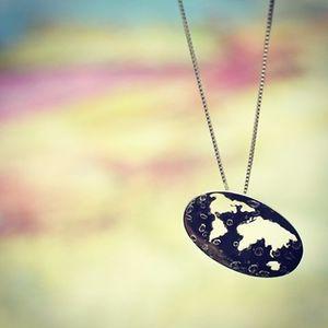 Colar Mapa Mundi,  por Raquel Arasaki #joia #jewlery #prata #silver #handmade #design #arasaki #raquelarasaki