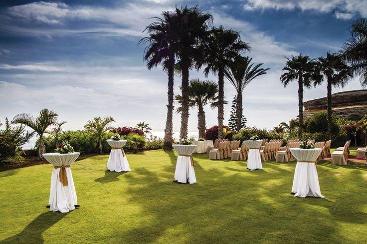 SHERATON LA CALETA  Ubicado en Costa Adeje, en el suroeste de Tenerife y con una temperatura media anual de 23 grados, el Sheraton La Caleta Resort & Spa es perfecto para las mejores vacaciones.  Puedes leer todo el artículo en: http://www.labodamagazine.es/tenerife/articulos/sheraton-la-caleta.3225.lbm  #hotel #resort #spa #tenerife #Costa_Adeje #ceremonias #celebraciones #bodas #banquetes