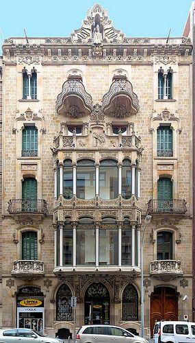 Barcelona - Casa Berenguer     del architecto Bonaventura Bassegoda i Amigó