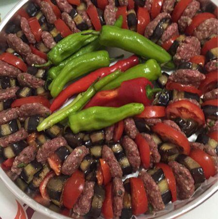 Beli Kırık Patlıcan Kebabı Tarifi Nasıl Yapılır? Kevserin Mutfağından Resimli Beli Kırık Patlıcan Kebabı tarifinin püf noktaları, ayrıntılı anlatımı, en kolay ve pratik yapılışı.