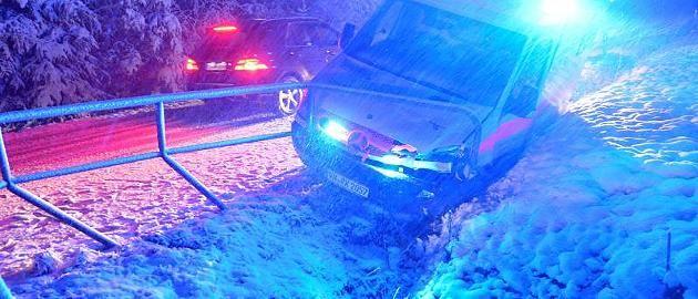 +++ Wetter-Ticker +++: 60 Zentimeter Neuschnee, Eisregen: Hier trifft der Winter Deutschland hart http://www.focus.de/panorama/wetter-aktuell/wetter-aktuell-neuschnee-und-glatteis-zwei-tote-nach-horrorunfall-auf-der-autobahn_id_4429430.html