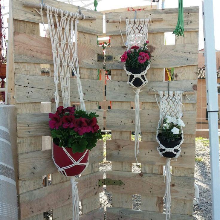 Se non avete più spazio per i vostri fiori, è giunta l'ora di appenderli!!