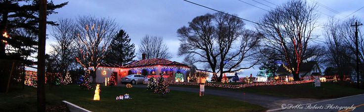 EDS place in hebron all decked out for Christmas...photo by Debbie Roberts photography
