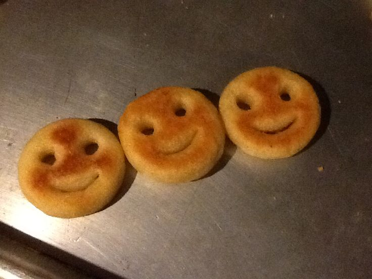 Sunburned smiley face fries