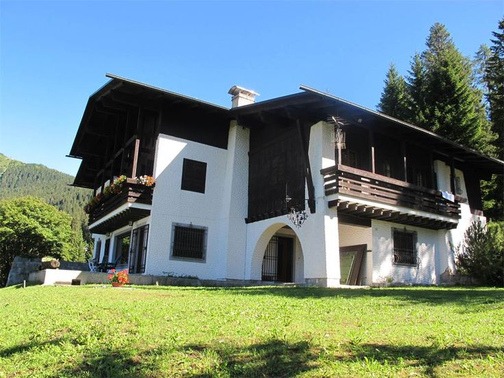 Mountain villa with private park on the Dolomites  Madonna Di Campiglio, Trento, Italy – Luxury Home For Sale