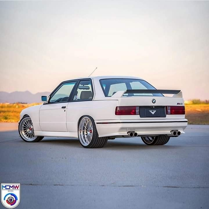 Bmw E30 M3 White With Images Bmw E30 M3 Bmw E30 Bmw E30 M