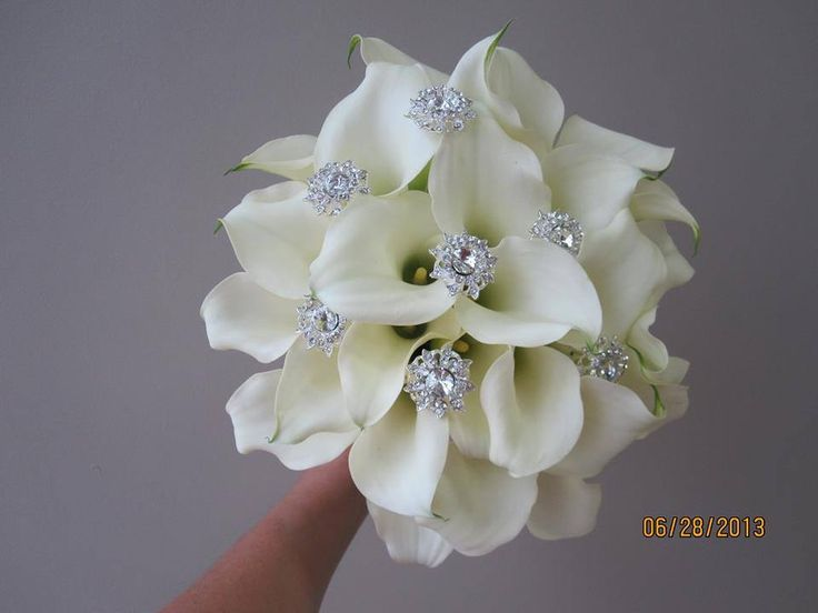 wedding bouquets with bling gorgeous embellished white calla bouquet weddings 8537