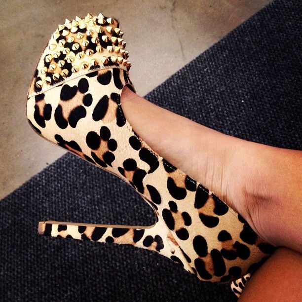 Need! Leopard print pumps with spikes