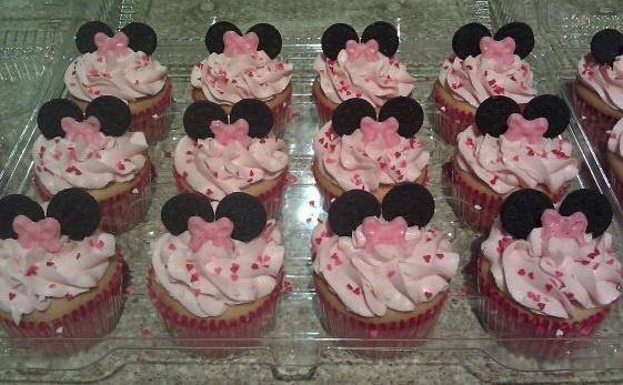 www.wilton.com Mini Oreo ears and candy melt bows