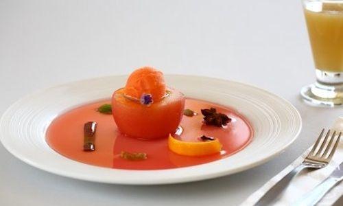 Profondo rosso:  Mele golden, frutti di bosco, arance. Ricetta monocromatica, molteplici sfumature gustative, di Simone Salvini
