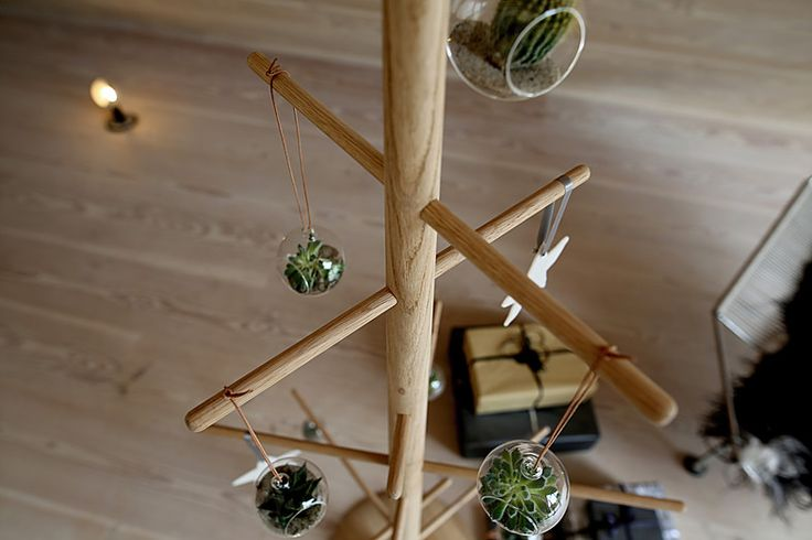 Bæredygtigt juletræ. Produceret i Danmark / Sustainable Christmas tree. Made in Denmark