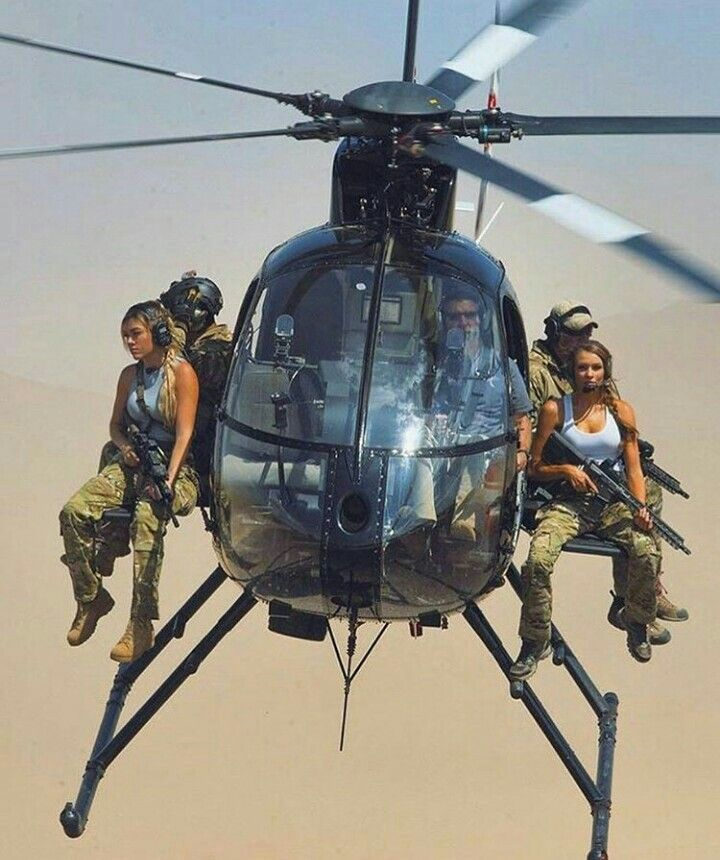 Well You Don T See This Everyday Military Guns Girl Guns