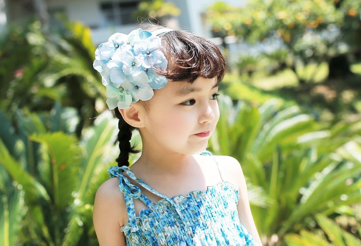 """Korea children's No.1 Shopping Mall. EASY & LOVELY STYLE [COOKIE HOUSE] Awesome Flower Headband / Size : FREE / Price : 15.01 USD """"Feminine headband~! Flower detail of soft color.  Girl makes me more unique sytle. (Blue, Pink / FREE)"""" #codi #acc #headband #flower #koreakids #kids #kidsfashion #cute #COOKIEHOUSE #OOTD"""