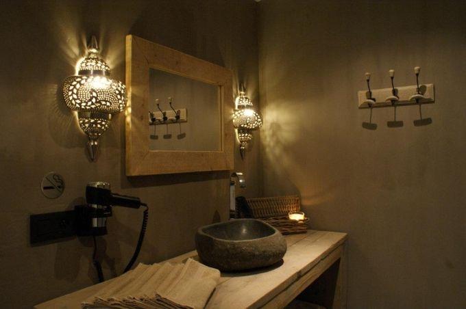 Maison Beau, een ware wellness sensatie op een rustige en zeer goed gelegen locatie. De warme inrichting brengt u in oosterse sferen waar u zich dadelijk in thuis voelt. U huurt volledig privé ons sauna-complex af om met uw partner, gezin of vrienden te genieten van alle rust en luxe. Privé sauna - Maison Beau - Relaxy.be