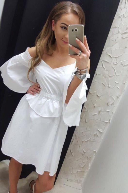 Sukienka biała odkryte ramiona rękaw dzwony lato