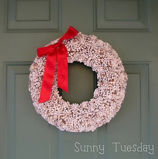 somedaycrafts.blogspot.com: Crafts Books, Pom Poms, Pompom Wreaths, Paper Pom Pom, Books Pages Wreaths, Book Page Wreath, Book Pages, Pom Pom Wreaths, Holidays Wreaths