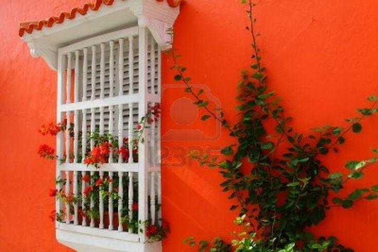 10392974-balcon-con-flores-casa-colonial-espanola-cartagena-de-indias-colombia.jpg (1200×801)