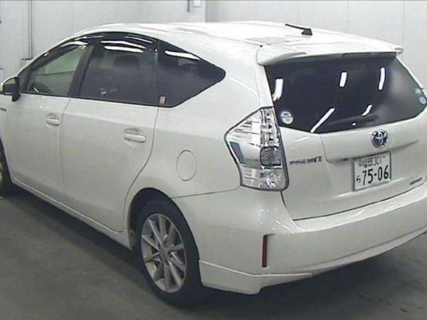 Toyota Prius Alpha 7 Seat Pearl 2014 Toyota Prius Toyota Body Kit