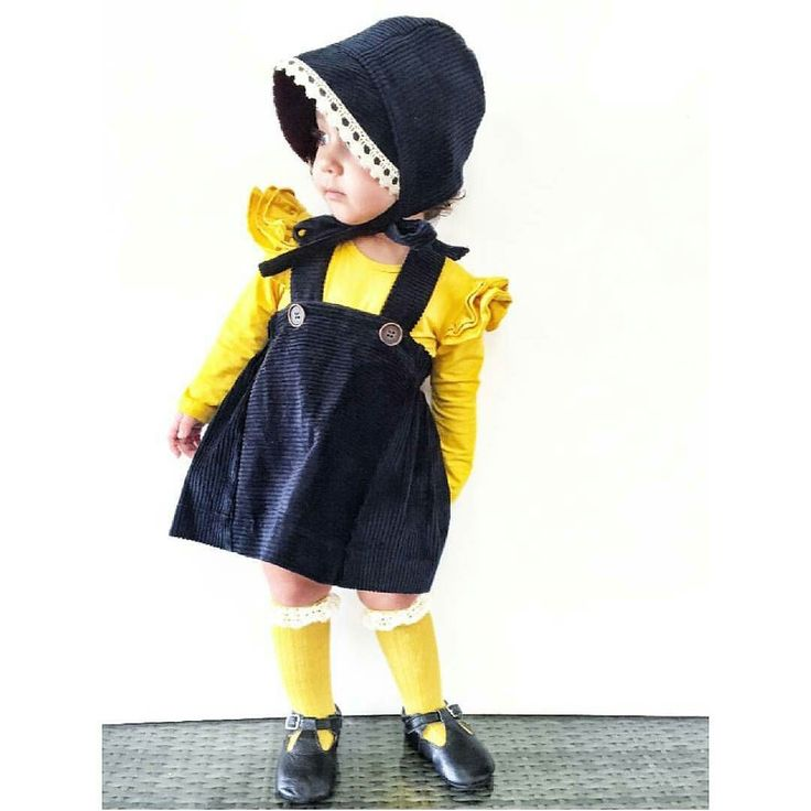 Oh I love our mustard flutter with this outfit!