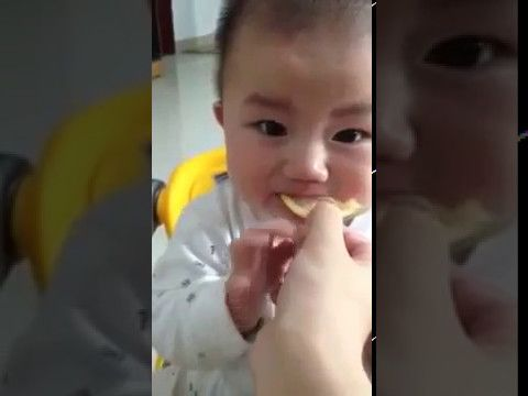 Baby Tasting the Lemon for the first time - must watch Face Expression