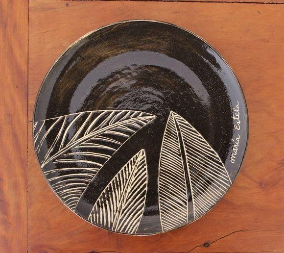 Prato artesanal de cerâmica com pintura feita à mão!