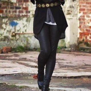 Latest style inspiration from winter leggings #winterleggings #winteroutfits #winterfashion