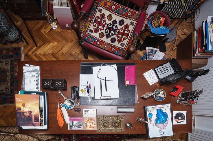 Hıfzı Topuz'un masasından
