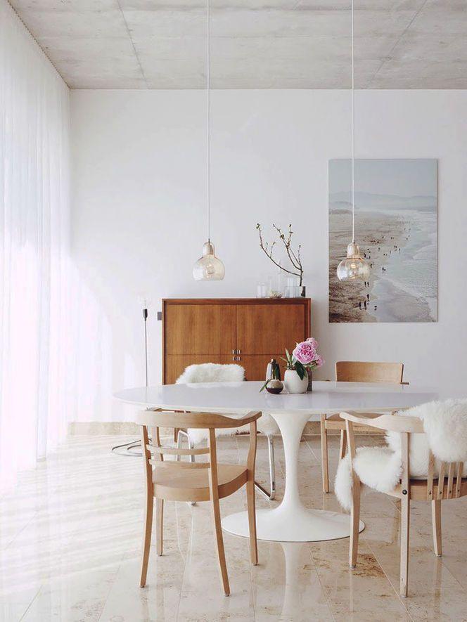 Salle à manger blanc et bois naturel