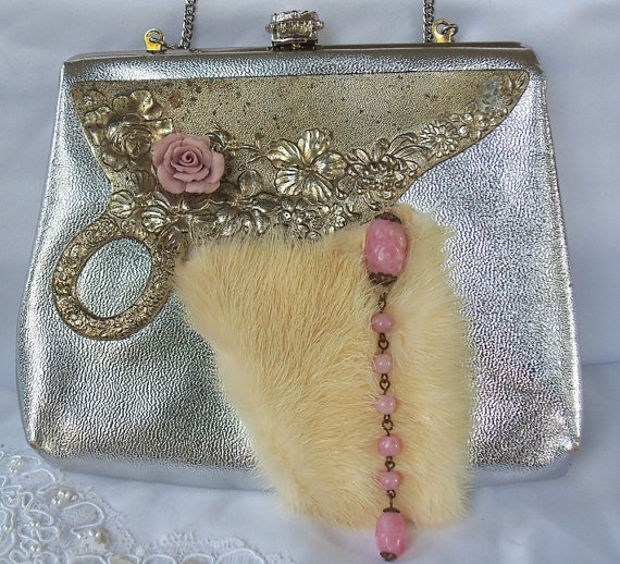 Joyce the wedding purse#Vintage# gold# wedding# clutch with vintage fur# jewelry and hardware, OOAKGold Weddings, Fashion Bags, Bags Purses Wallets, Hajlani Naima, Fur Holiday, Vintage Clothing Accessories, Girly Girls, Fun Accessories, Beads Handbags