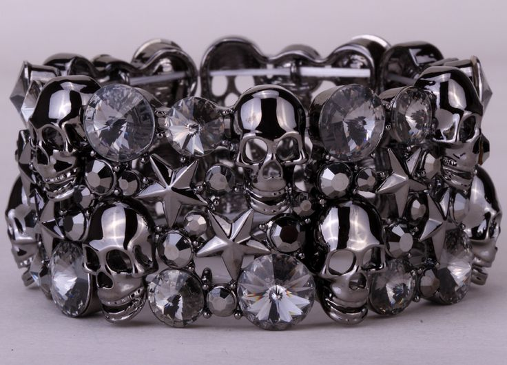 Skull star stretch bracelet bangle for women biker bling jewelry W/ crystal antique silver plated D03 wholesale dropshipping www.bernysjewels.com #bernysjewels #jewels #jewelry #nice #bags