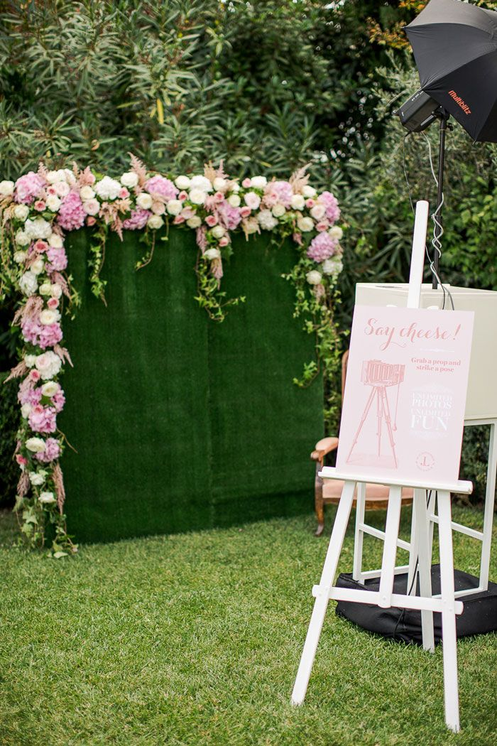 love this photo booth backdrop |  MARIANNE TAYLOR PHOTOGRAPHY