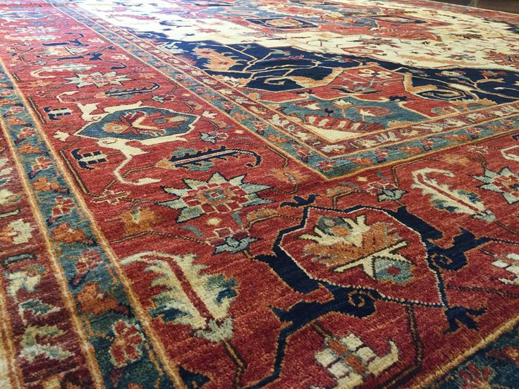 Heriz Rug This Embos The Spirit And Heritage Of Traditional Oriental