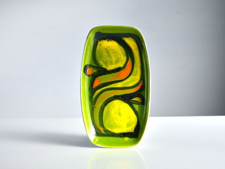 Poole Pottery Delphis pin tray. Green, Yellow plate. 1970s. 361. Anita Lawrence.
