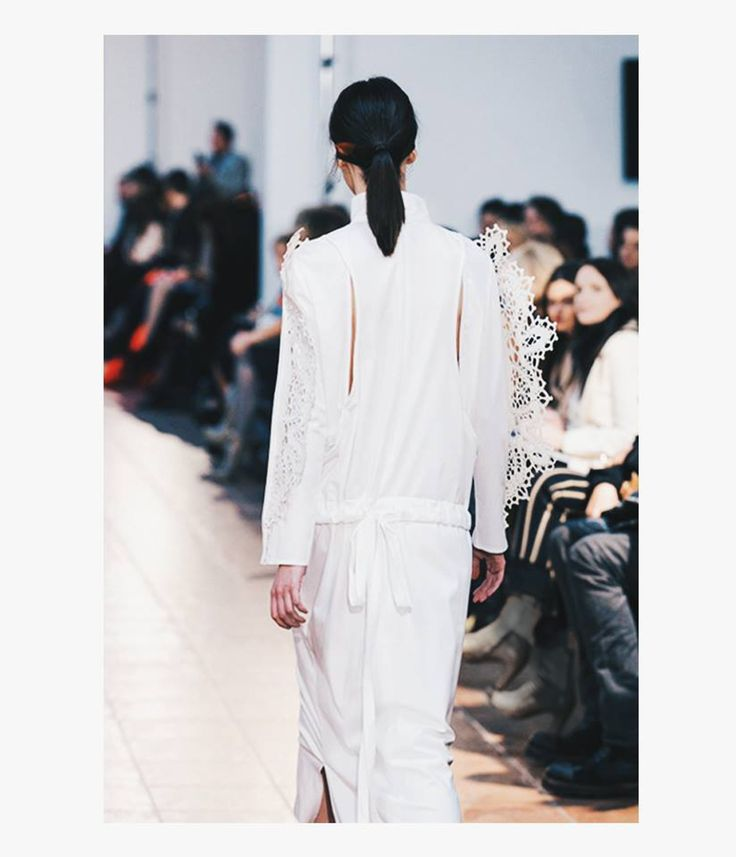 Lase Lace Dress Avanpremiere 16 Fashion designer : Andreea Castrase