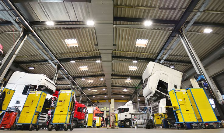 MILOO LIGHTING - Fittings for industrial halls and warehouses LED | SPACE II