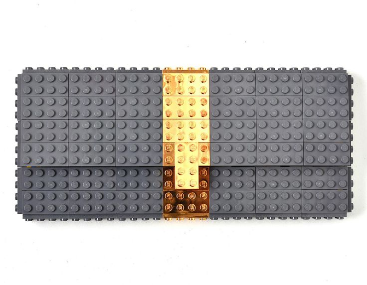 Agabag has expanded their line of LEGO handbags by creating bags with gold-plated details and a new line of gold-plated LEGO jewelry.