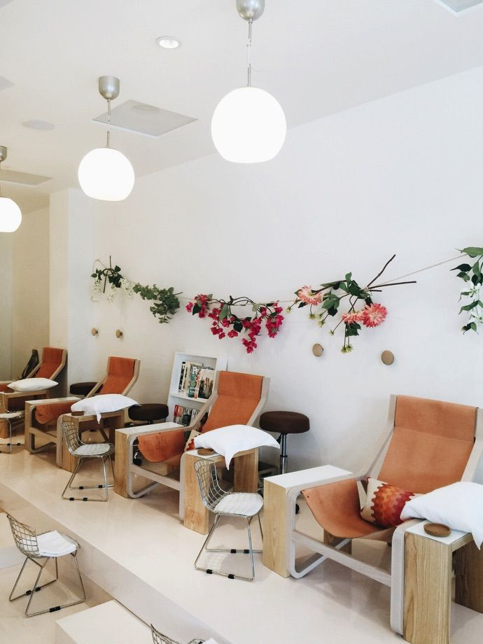 Next time you need a #mani, head over to @theoliveandjune on Montana Avenue and try 'The Margot' for an #organic nail therapy.