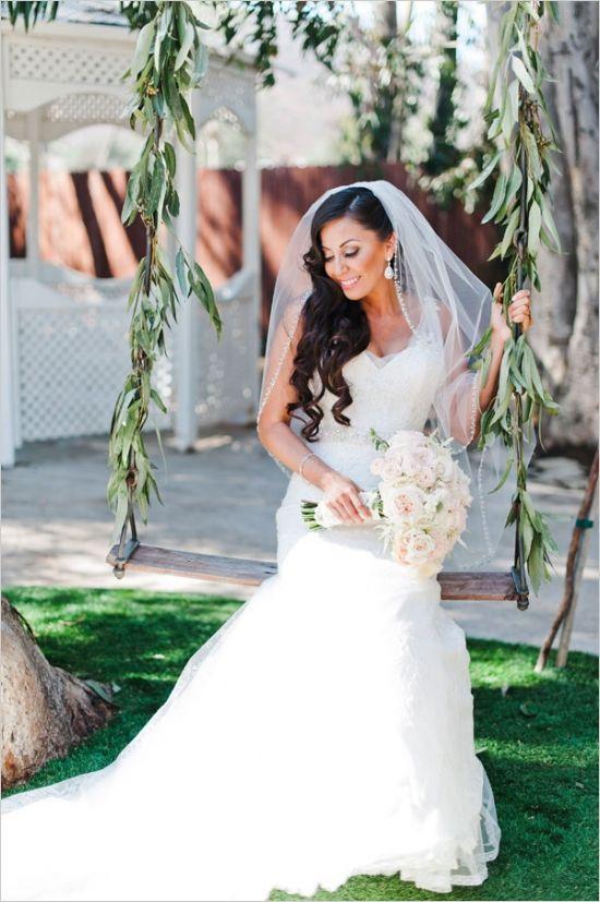 elegant, romantic bridal looks #loosecurls  #weddingchicks http://www.weddingchicks.com/2014/01/10/elegant-garden-wedding/