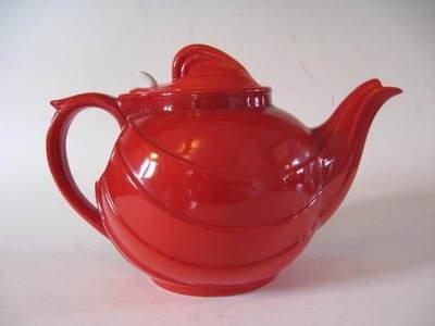 Parade Teapot. KitchenwareTeapotHallRougeKettleTea Pot