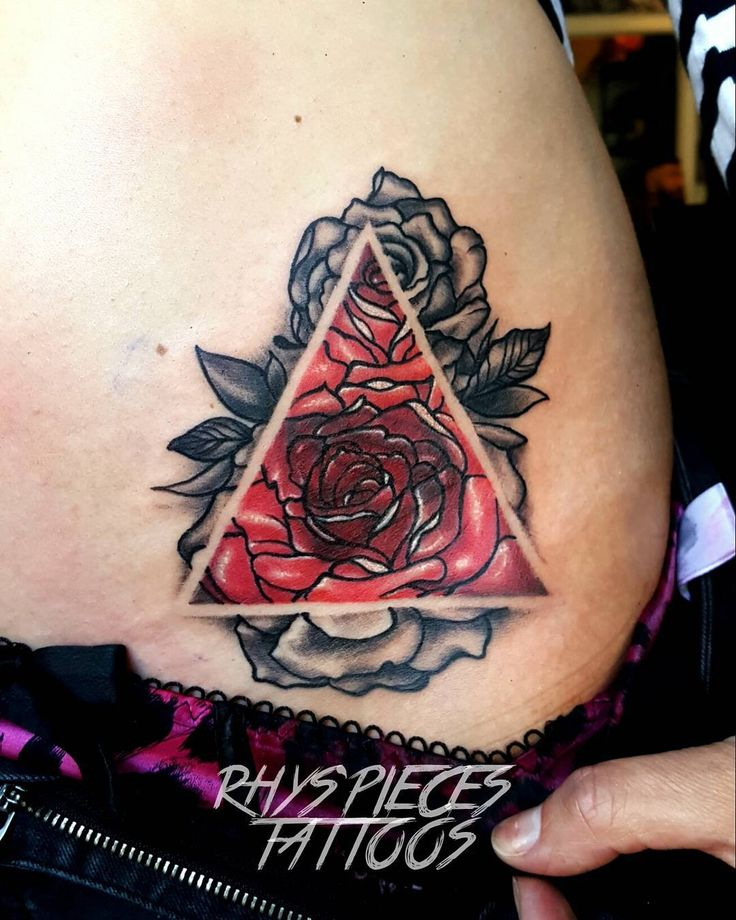 Black Ink Rose Tattoo On Girl Right Hip: 627 Best Images About Hip Tattoos On Pinterest