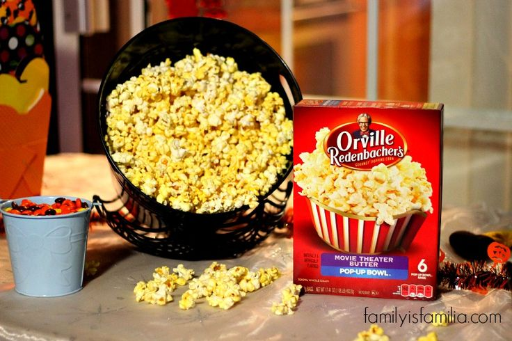 Hosting the Best Backyard Movie Night with Orville Redenbacher's Popcorn #PopcornPartyTime