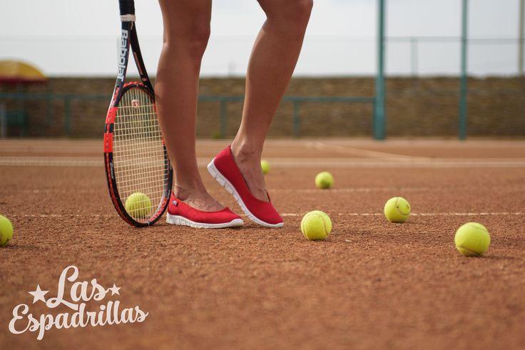 Красные балетки на спортивной подошве от бренда Las Espadrillas. #tennis #sport #shoes #Ballerinas #girl
