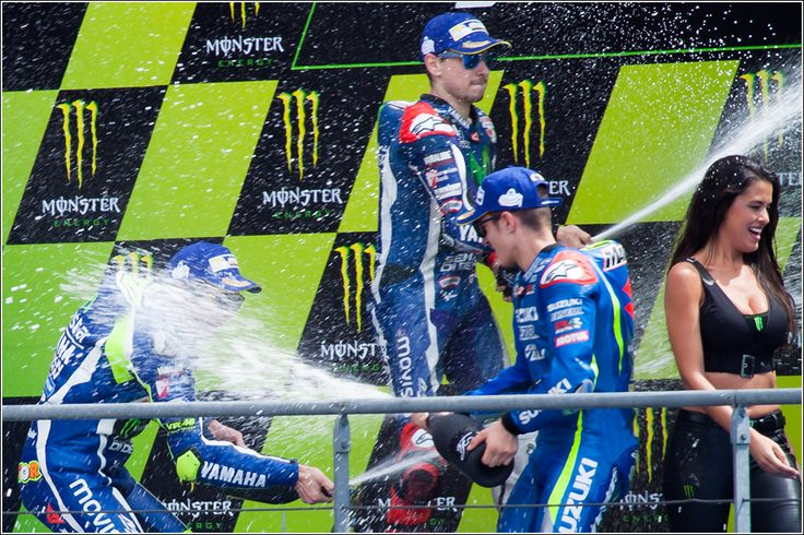Resume Moto GP Le Mans 2016 Final Day Photos