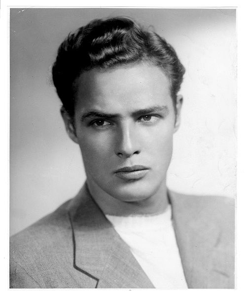 A very young, very eye-catching(very toight, yesh toight) Marlon Brando.