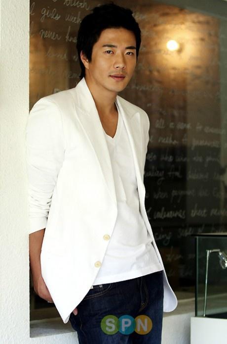 Kwon, Sang Woo
