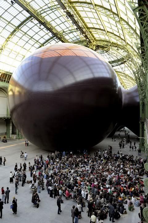 Anish Kapoor, En Paris, en el Grand Palais... yo estuve ahí con mi hermanita, nos encantó