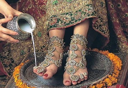 Stunning Indian feet jewellery i think i will re-create